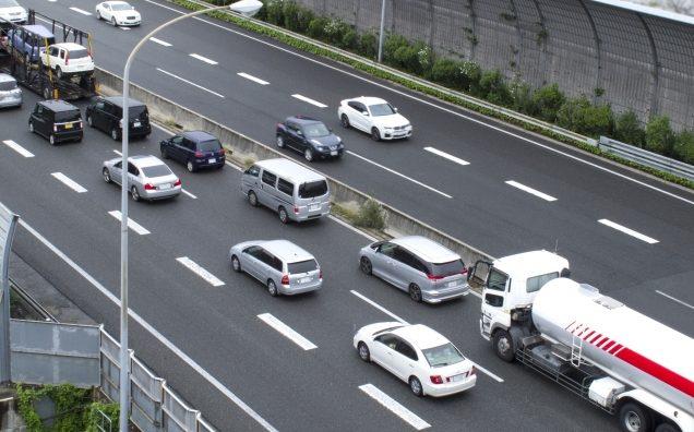 GWやお盆の高速渋滞や交通規制を確認できるサイトやスマホのアプリを紹介